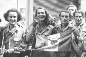 Rosetta Solari con la bandiera