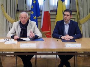 Firma dell'accordo tra il rettore Borghi e il sindaco Pizzarotti