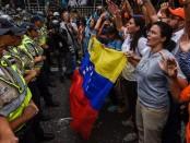 VENEZUELA-POLITICS-CRISIS-REFERENDUM-OPPOSITION