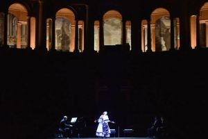 Traviata al Farnese