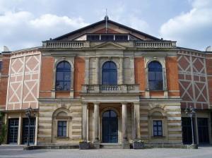 Festspielhaus_Bayreuth,_2005
