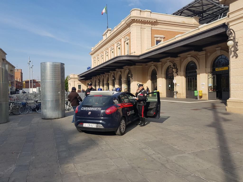 spaccio parma stazione dei treni